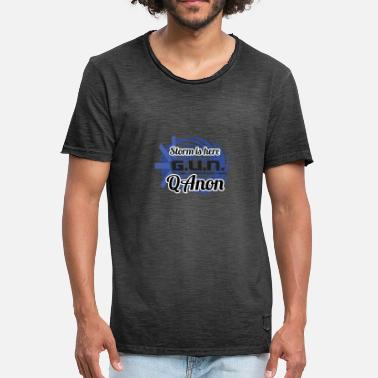Storm Shadow THE STORM is here QAnon - Männer Vintage T-Shirt