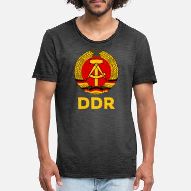 Gdr GDR emblem Ostalgie symbol hammer and sickle - Men's Vintage T-Shirt