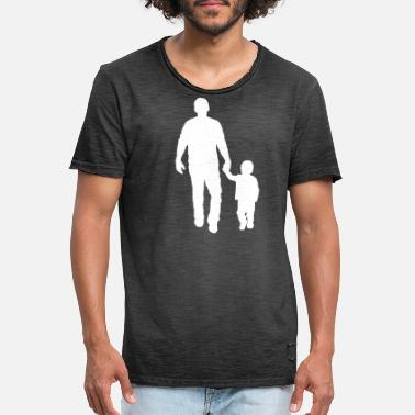 Walking Hands Father kid go for a walk hand in hand with gift - Men's Vintage T-Shirt