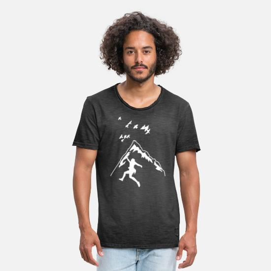 Gift Idea T-Shirts - Mountaineering gift mountaineer climbing summit - Men's Vintage T-Shirt washed black