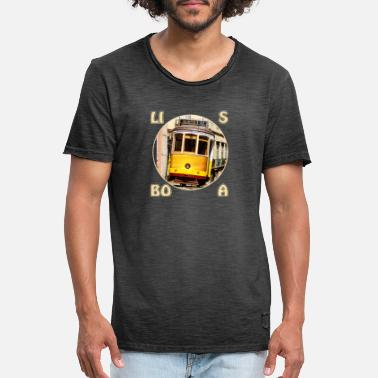 Tram In Lisbon Lisbon tram yellow - Men's Vintage T-Shirt