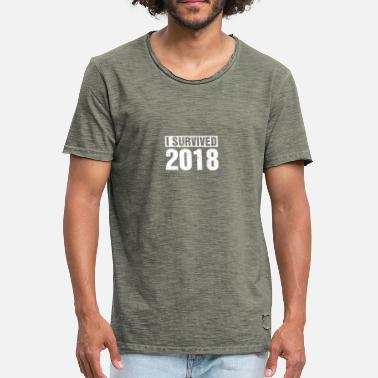 I Survived I Survived 2018 T-paita New Years Eve Silvester - Miesten vintage t-paita