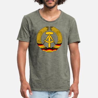 Ddr East Germany Crest Flag Wreath GDR DDR Emblem - T-shirt vintage Homme