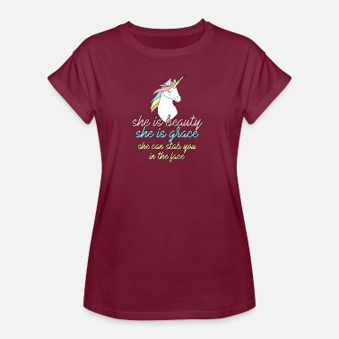 Stab Unicorn: She is beauty, she is grace, she can stab - Women's Oversize T-Shirt