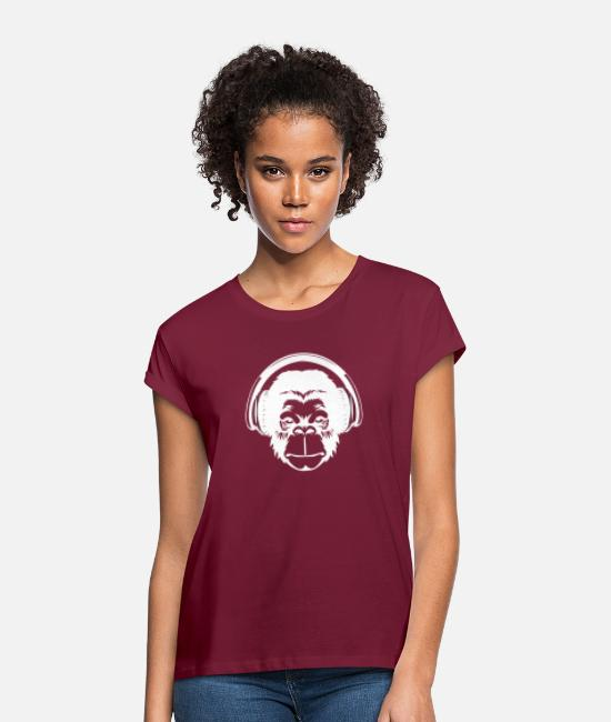 Headphones T-Shirts - Monkey head with headphones - Women's Loose Fit T-Shirt bordeaux