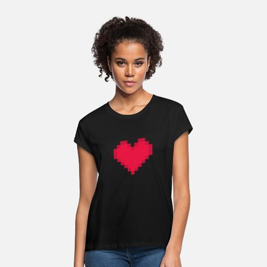 Gaveide T-skjorter - Pixelated Heart for nerds geeks gamers Valentine's - Oversize T-skjorte for kvinner svart
