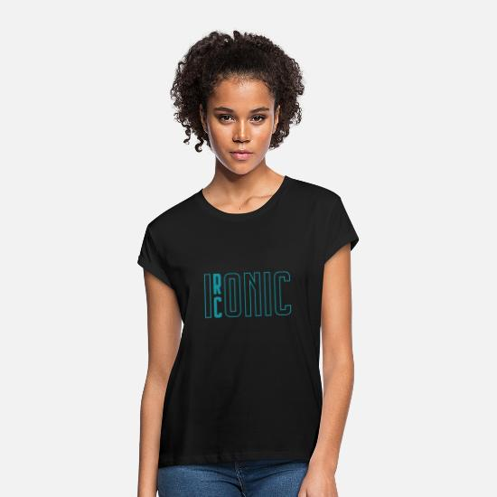 Iconic T-Shirts - Ironic Iconic| Word Play| Opposite| Superstar - Frauen Oversize T-Shirt Schwarz