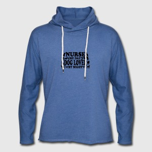 Nurse by day doglover by night - Leichtes Kapuzensweatshirt Unisex