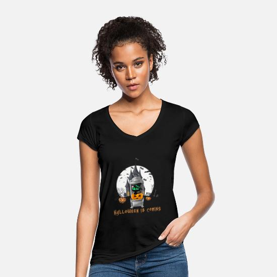 Halloween T-Shirts - Cat on the throne funny Halloween 2019 is coming - Women's Vintage T-Shirt black