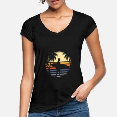 Circular Surfer with surfboard before sunrise with palm trees - Women's Vintage T-Shirt