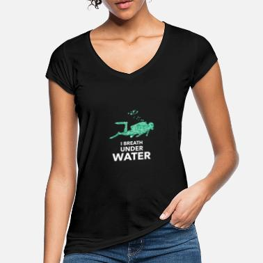 Under Water I breath under water. I breathe underwater - Women's Vintage T-Shirt