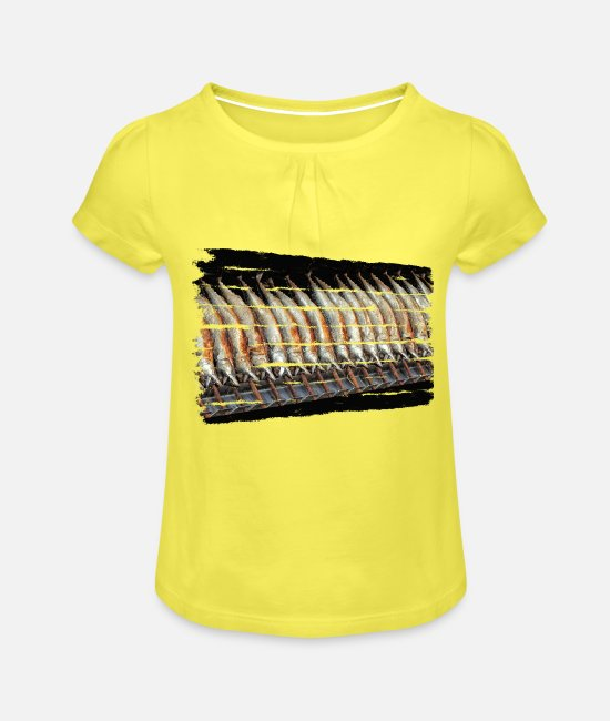 Heat T-Shirts - A treat on festivals is the Steckerl fish - Girls' Ruffle T-Shirt yellow