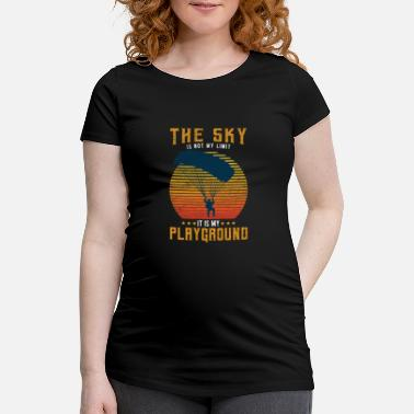 Skydiver parachute extreme sport free fall - Maternity T-Shirt
