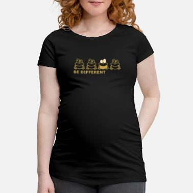 Frog BEDIFFERENT 10 - Maternity T-Shirt