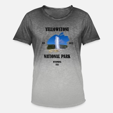 Geyser Yellowstone National Park Wyoming USA Geyser - Men's Colour Gradient T-Shirt