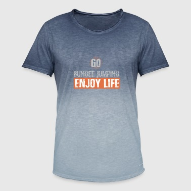 Bungee jumping enjoy life - Men's T-Shirt with colour gradients