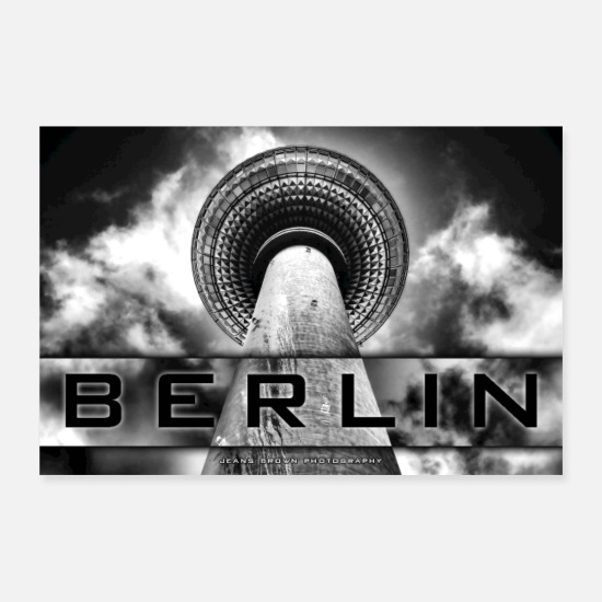 Friedrichshain Posters - Berlin TV Tower - Jeans Brown Photography - Posters hvid