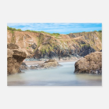 Uk Rotsformatie bij Polurrian Bay Beach Mullion UK - Poster