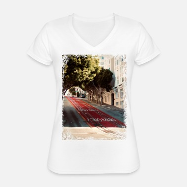 West Coast A t-shirt from the street of San Francisco - Classic Women's V-Neck T-Shirt