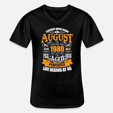 August 1980 40th birthday 40 years gift - Men's V-Neck T-Shirt