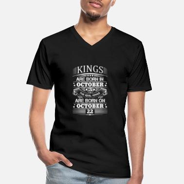 October Real Kings Are Born On October 22 - Men's V-Neck T-Shirt