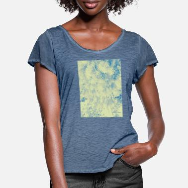 Pointy Pointy nature - Women's Ruffle T-Shirt