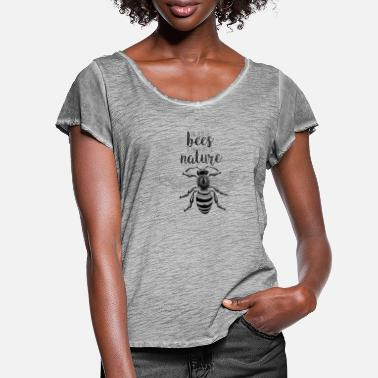 Nature The hum of bees is the voice of nature - Frauen T-Shirt mit Flatterärmeln