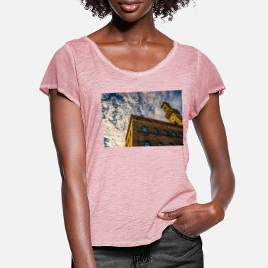 Town Hall Fürth Town Hall - Women's Ruffle T-Shirt