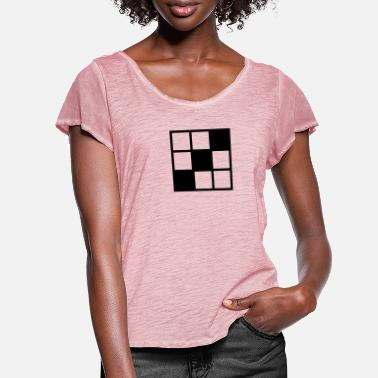 Noughts noughts and crosses grid background element - Women's Ruffle T-Shirt