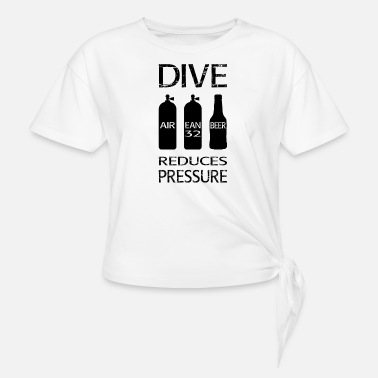 Reduced Diving reduces pressure - Knotted T-Shirt