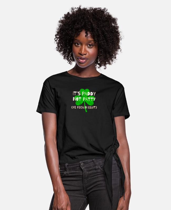 St Patricks Day T-Shirts - Feckin Eejit Distressed for St Paddy's Day - Women's Knotted T-Shirt black