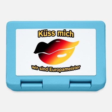 European Champion European champion kissing - Lunchbox