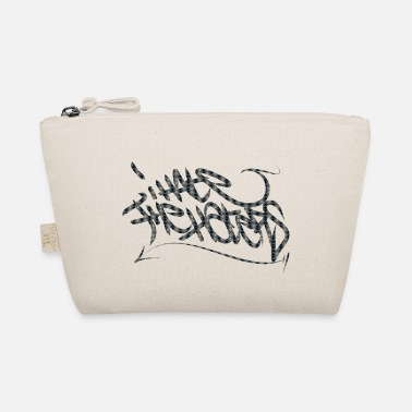 Tag to tag - The Wee Pouch