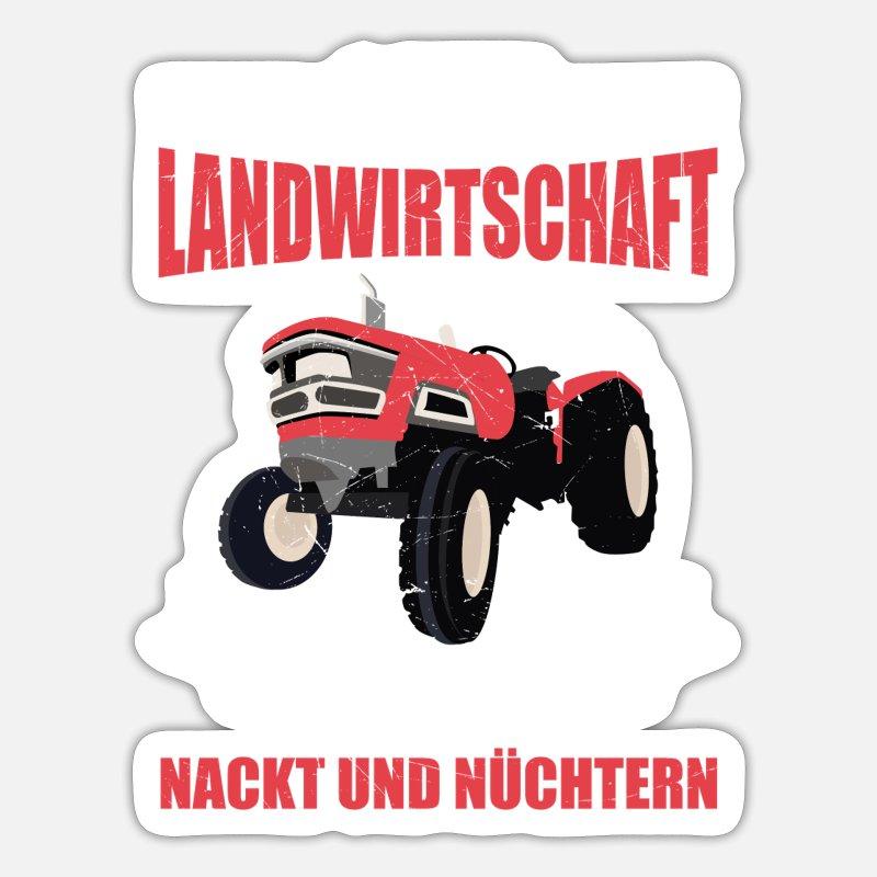 Nackt auf traktor