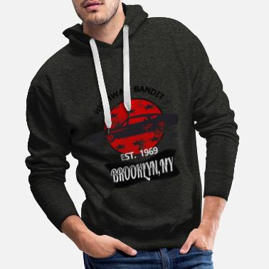 Cadillac Muscle car on red - Men's Premium Hoodie