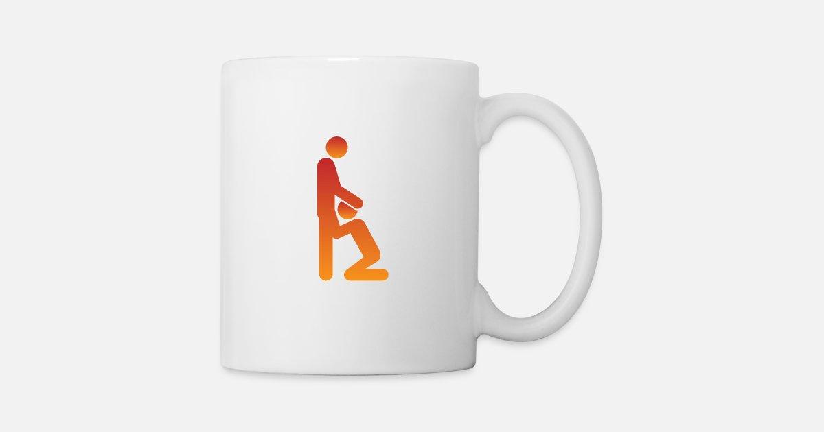 kvinna som ger avsugningar ebenholts sprider ben