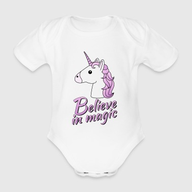 Unicorn head with text Believe in magic in lilac - Organic Short-sleeved Baby Bodysuit