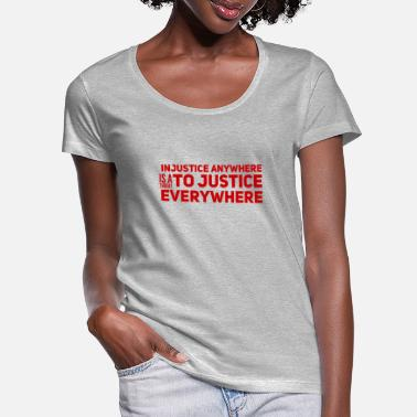 Injustice Injustice everywhere - Women's Scoop-Neck T-Shirt