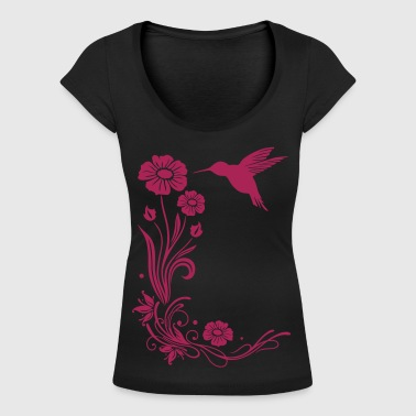 Floral motif with flowers and hummingbird. - Women's Scoop Neck T-Shirt