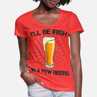 Betrunken Irish in a few beers St. Patrick's Day Geschen - Women's Scoop-Neck T-Shirt