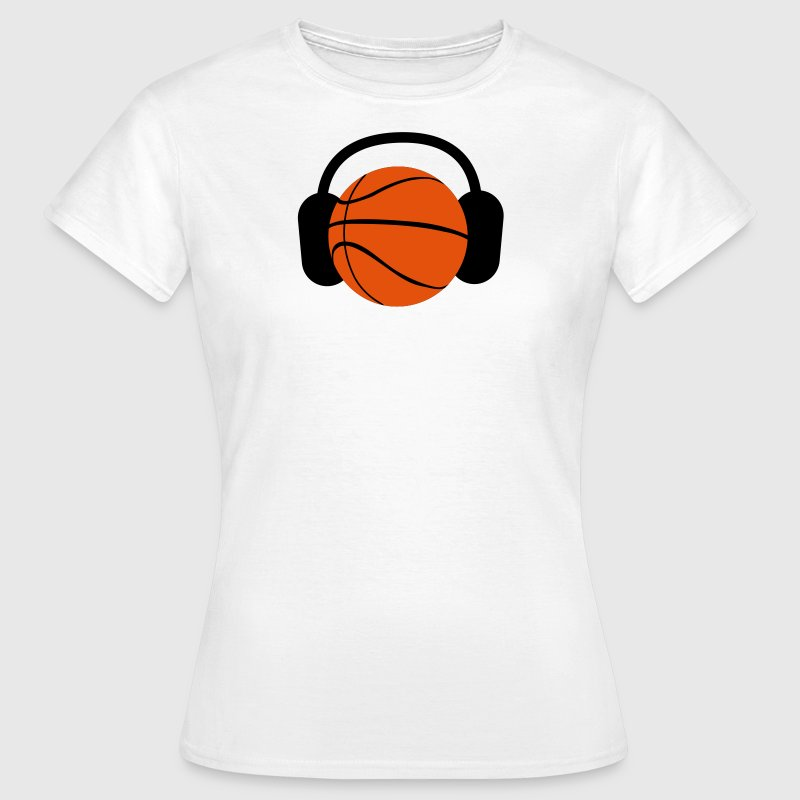 a basketball with headphones music - Camiseta mujer