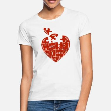 Puzzle Happy New Year 2020 - Heart Puzzle - Women's T-Shirt