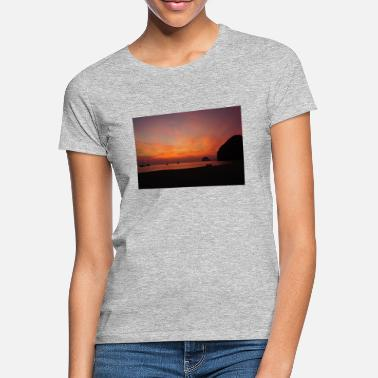 Sunset Beach - Frauen T-Shirt