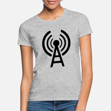 Station station - Women's T-Shirt