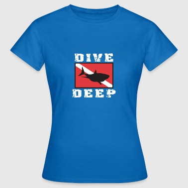 SCUBA DIVE DEEP SHARK - Women's T-Shirt