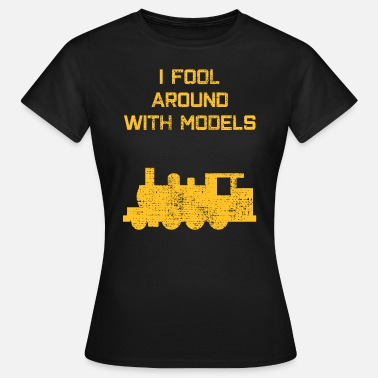 Model Train model train - Women's T-Shirt