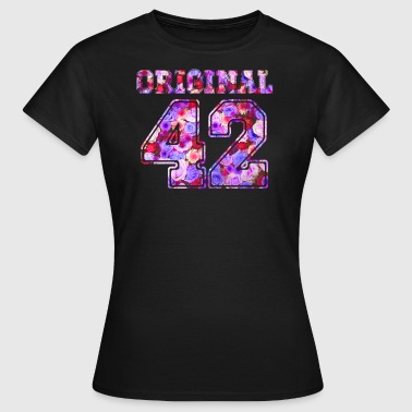 Birthday 42 42 - Birthday Present Bday - Frauen T-Shirt