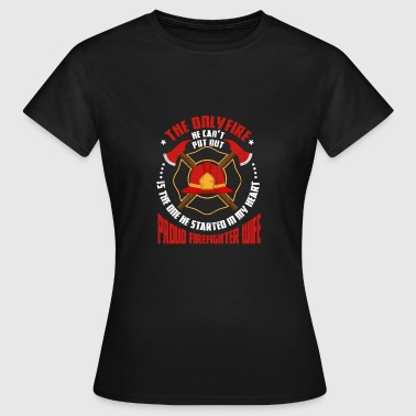 Proud Wife Proud wife of a firefighter - Women's T-Shirt