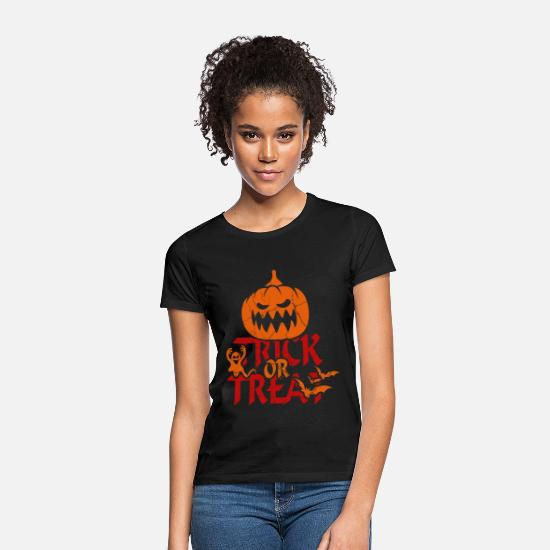 Horror T-Shirts - Trick or Treat at Halloween - trick or treat - Women's T-Shirt black