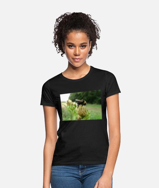 Rural T-Shirts - Bee on the flower - Women's T-Shirt black